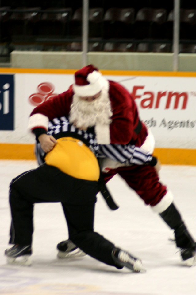12-19-2013-_future_petes_game_(298).jpg