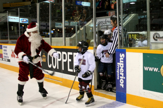 12-19-2013-_future_petes_game_(307).jpg